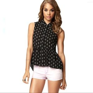 Forever 21 Black and White Sleeveless Crosses Top